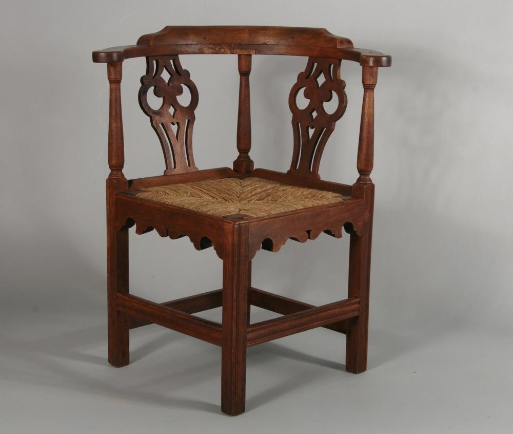 Gentil Antique Chippendale Corner Chair